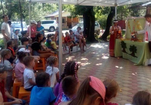 Волонтеры факультета социальной и коррекционной педагогики ВГСПУ приняли участие в городском празднике «Лето нашего детства»