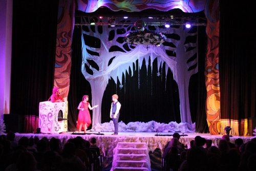 В ВГСПУ состоялось новогоднее представление для детей с ОВЗ